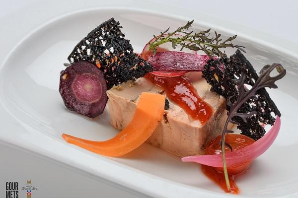 presse-de-foie-gras-au-naturel-chutney-poivron